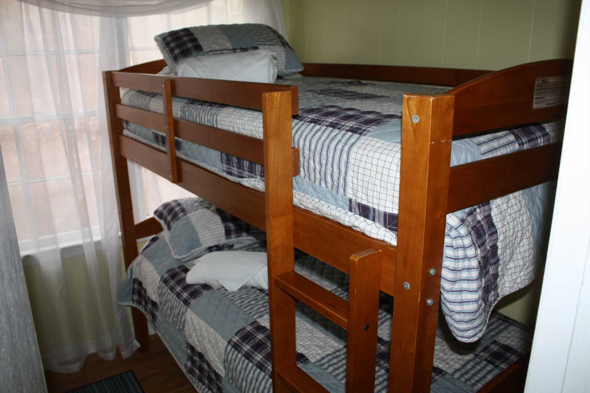 Bedroom 3 - bunk bed